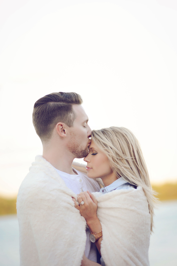Everything You Need to Know About Engagement Photo Basics